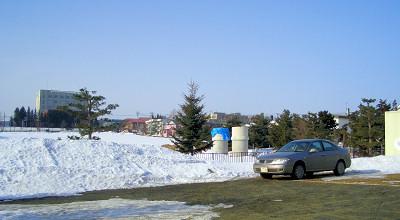 3/4:オホブラ百貨店の事務所駐車場から見た景色