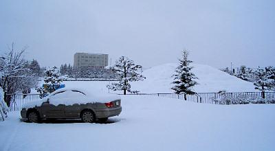 4/7:オホブラ百貨店の事務所駐車場から見た景色