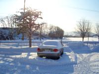2/9:駐車場の営業車