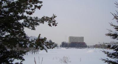 02/10:オホブラ百貨店の事務所から見た北見工大