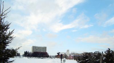 02/12:オホブラ百貨店の事務所から見た北見工大