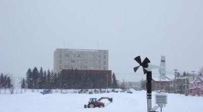 02/17:オホブラ百貨店の事務所から見た北見工大