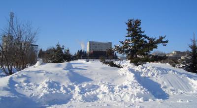 02/18:オホブラ百貨店の事務所から見た北見工大