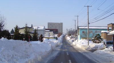 02/25:オホブラ百貨店の事務所から見た北見工大