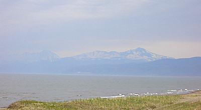 05/08:斜里町から見た羅臼岳かな