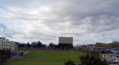 05/13:オホブラ百貨店の事務所の屋上から見た北見工大方面