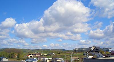 05/14:オホブラ百貨店の事務所の屋上から見た日赤看護大方面