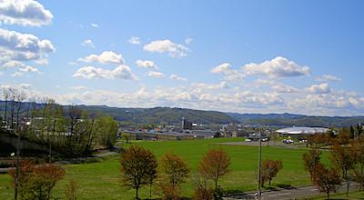 05/14:オホブラ百貨店の事務所の屋上から見た北見工大方面から左