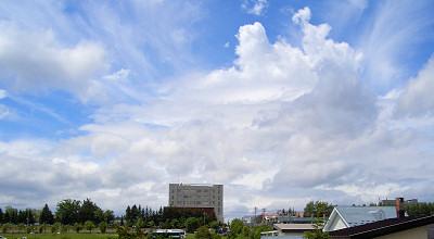 06/22:オホブラ百貨店の事務所の会議室から見た北見工大方面