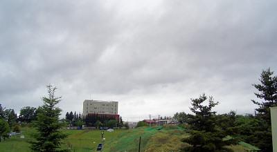 06/23:オホブラ百貨店の事務所の駐車場から見た北見工大方面