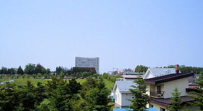 06/29:オホブラ百貨店の事務所の2階から見た北見工大方面