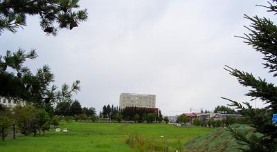 08/03:オホブラ百貨店の駐車場から見た景色