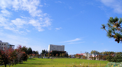 10/06:オホブラ百貨店の駐車場付近から見た景色