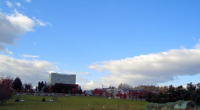 10/22:オホブラ百貨店の駐車場から見た景色