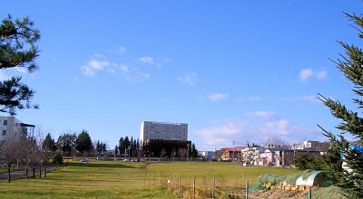 11/04:オホブラ百貨店の駐車場から見た景色