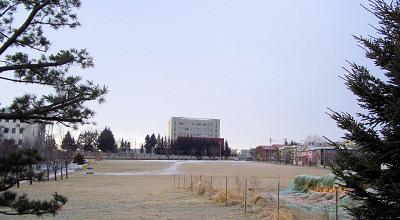 12/09:オホブラ百貨店の事務所駐車場から見た景色