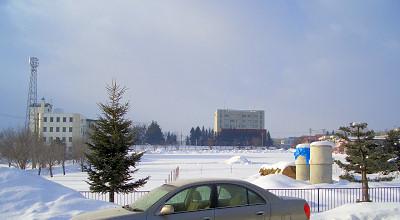 1/25:オホブラ百貨店の事務所駐車場から見た景色