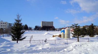 1/27:オホブラ百貨店の事務所駐車場から見た景色