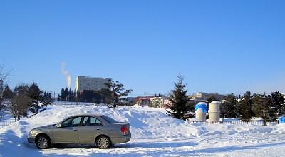 2/3:オホブラ百貨店の事務所駐車場から見た景色