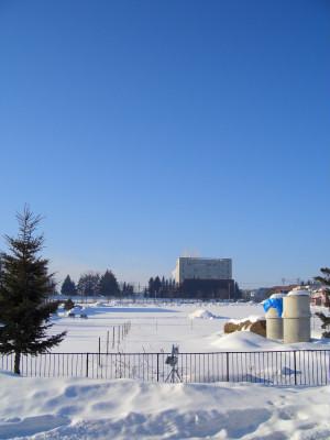 2/5:オホブラ百貨店の事務所駐車場から見た景色